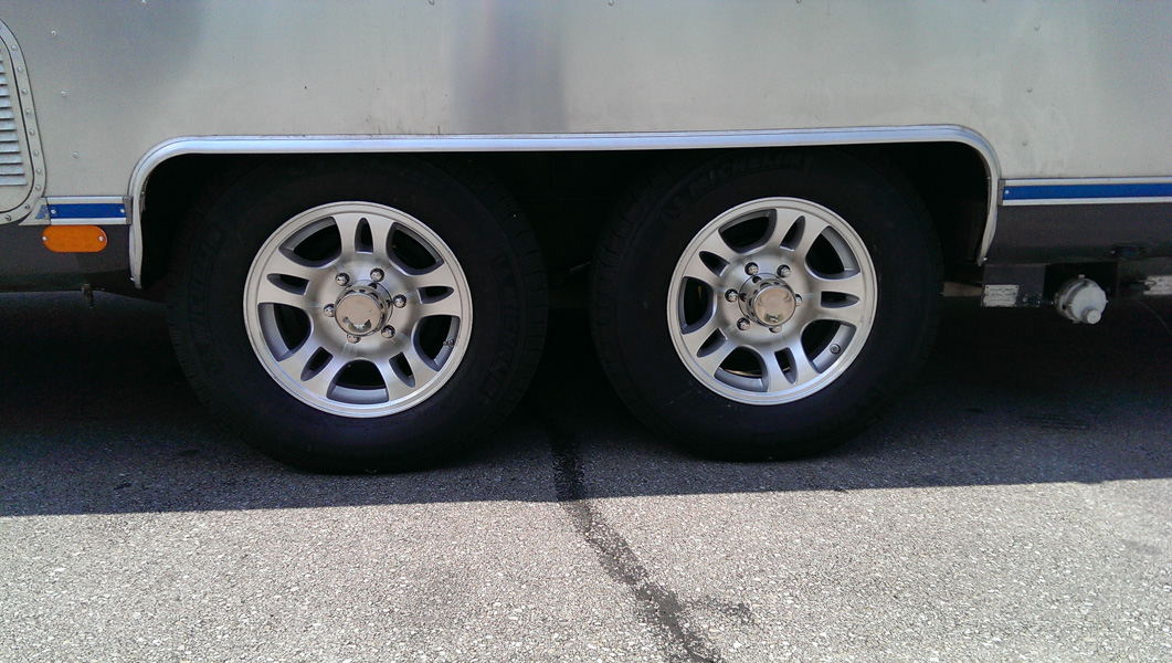 16 wheels lt tires page 46 airstream forums. Black Bedroom Furniture Sets. Home Design Ideas